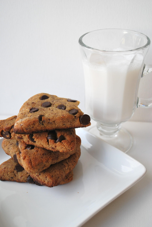 Paleo Hazelnut Chocolate Chip Scones ~ gluten free, grain free, dairy ...